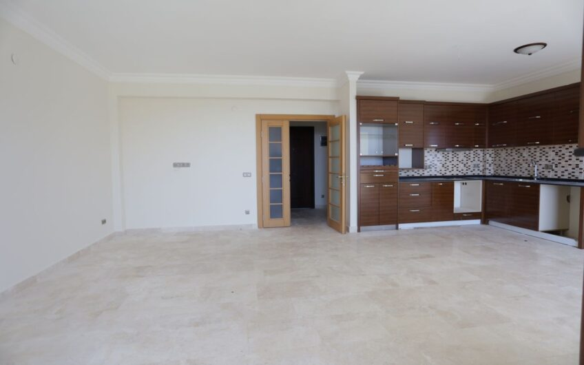 Triplex Town House for Sale in Goldcity Alanya